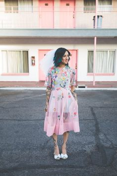 a-colourful-vegas-elopement-with-the-bride-in-a-pink-dress-14