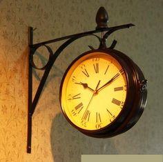 おしゃれ ! 両面 掛け時計 レトロ アンティーク 風 ヨーロピアン 西洋 北欧 風 スタイル インテリア 雑貨 時計 (ブラウン)