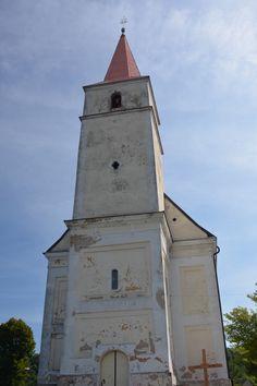 Ten kostelík pořád láká... ale stále je zavřeno.
