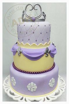 Princess Sophia - Arte da Ka Sofia The First Cake, Sofia Cake, Sweet Cakes, Cute Cakes, Bolo Sofia, Princess Theme Cake, Tiara Cake, Princesa Sophia, Prince Cake