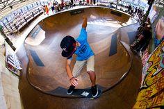 skate bowl | park skating in bowl