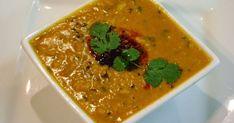 Ragoût de lentilles aux épices indiennes, dal, vegan (inde). Un plat de lentilles délicieusement parfumé, riche en protéines végétales, en calcium, simple à cuisiner. Il se déguste avec du pain indien comme des naans ou des kutchas, du riz, des parathas... . La recette par Streetfood et cuisine du monde.