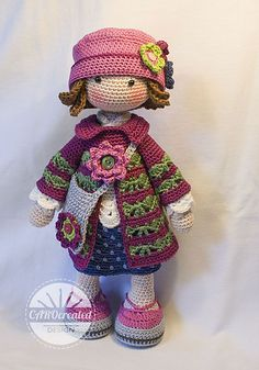 Crochet Pattern for Doll TILDA pdf Deutsch English - PinterRavelry: Bundles: Dolls by CAROcreated designPlease note: This listing is for a CROCHET PATTERN to make the pictured doll and… - AllupposeRavelry is a community site, an organizational tool Crochet Amigurumi, Crochet Doll Pattern, Amigurumi Doll, Crochet Dolls, Crochet Patterns, Love Crochet, Easy Crochet, Crochet Doll Clothes, Diy Doll