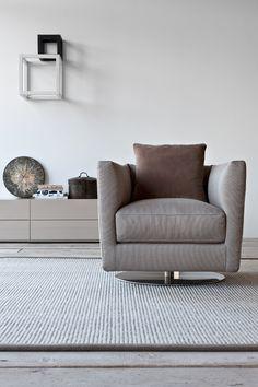 Wygodna perspektywa na weekend...  #armchair #dolcevita #interior #design #italian #style