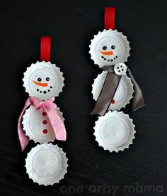 Adornos de Navidad con tapas de botellas! | Manualidades Gratis