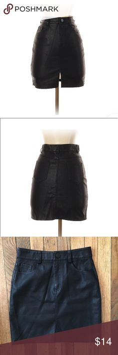 """Mini faux leather skirt Such a cute skirt. 16"""" long. Great condition Skirts"""