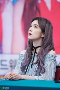 Red Velvet アイリーン, Red Velvet Irene, Kpop Look, Purple Hair, Red Hair, Korean Girl, Asian Girl, Korean Hair Color, Red Velet