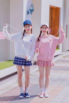 So Mini Skirt – Somethin' Sweet Best Friend Couples, Best Friend Outfits, Ulzzang Fashion, Harajuku Fashion, Korean Winter Outfits, Bff, Korean Fashion Pastel, Korean Best Friends, Donia