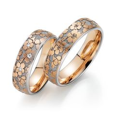 """Flora wedding rings """"Spring greeting"""" at Juwelier Wieland Munich - Flora wedding ring from Fischer. The fine floral patterns are the namesake of this beautiful weddin - Wedding Ring Bands, Wedding Jewelry, Gold Jewelry, Jewelry Rings, Gold Bangles Design, Jewelry Design, Stylish Jewelry, Fashion Jewelry, Jewellery Sketches"""