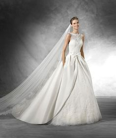 Gorgeous wedding dresses that will fit right in with your rustic ceremony