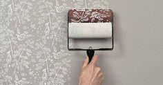 Wände sind oft langweilig aber zum Glück kann man sie ganz einfach dekorieren. Mit Farbe, Bildern oder sonstige Sachen sieht es direkt viel besser aus. Wir haben hier 8 kreative Ideen um selbst zu testen!
