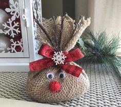 me ~ Reindeer Food Diy Christmas Reindeer, Magic Reindeer Food, Christmas Eve Box, Rustic Christmas, Christmas Projects, Kids Christmas, Holiday Crafts, Christmas Wreaths, Christmas Decorations