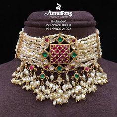 No photo description available. Gold Jewellery Design, Bead Jewellery, Beaded Jewelry, Gold Jewelry, India Jewelry, Bridal Jewellery, Statement Jewelry, Antique Jewelry, Trendy Jewelry