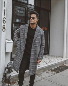 We're not over the overcoat. 📷 Jose Source by topman fashion Topman Fashion, Streetwear, Mode Man, Mens Overcoat, Black Overcoat, Style Masculin, Winter Outfits Men, Mens Classy Outfits, Trendy Outfits