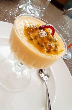 Mango Mousse, Panna Cotta, Ethnic Recipes, Food, Dulce De Leche, Essen, Meals, Yemek, Eten