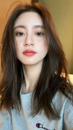 Korean Beauty Girls, Pretty Korean Girls, Cute Korean Girl, Cute Asian Girls, Beautiful Asian Girls, Asian Beauty, Ulzzang Hair, Ulzzang Korean Girl, Korean Eye Makeup