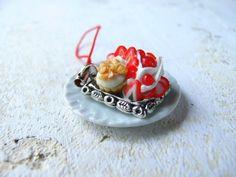 Sweet jewelry keychain pendant handmade miniature dessert mini food dollhouse bead charm fimo tiny cake candy kawaii cute ooak jewellery