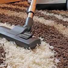 Ondanks je pogingen om je tapijt piekfijn te houden is een accidentje onoverkomelijk.Een tapijt krijgt immers veel te verduren. Voetstappen en vlekken komen geregeld voor en stof kan zich snelverzamelen tussen de haren van het kleed.Dankzij deze tips blijft je tapijt tiptop. Voor je begint Test deze tips altijd eerst even uit op een klein … Continued