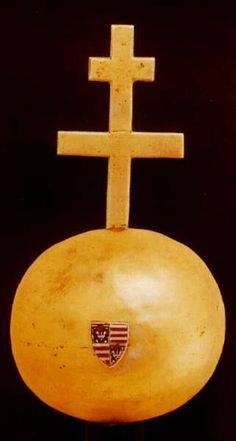 Orb of Hungary Budapest, Hungary History, Royal Crowns, Exotic Places, Crown Jewels, Female Images, Holi, Medieval, Symbols