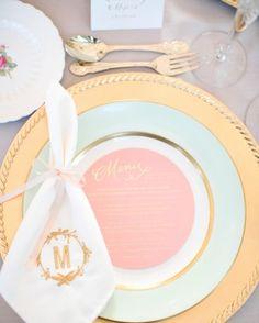 Blog OMG - I'm Engaged! - Decoração em candy colors e dourado. Wedding decoration with gold.