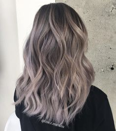 Hairstyles and Beauty: The Internet`s best hairstyles, fashion and makeup pics are here. Ice Blonde Hair, Silver Blonde Hair, Bright Blue Hair, Brown Hair Colors, Hair Colours, Cabelo Pin Up, Baby Hair Growth, Light Auburn Hair, Mushroom Hair