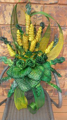 - A flax bouquet- … Contemporary Flower Arrangements, Creative Flower Arrangements, Church Flower Arrangements, Beautiful Flower Arrangements, Flower Centerpieces, Flower Decorations, Floral Arrangements, Deco Floral, Arte Floral