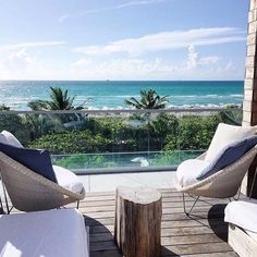 Happy #NationalLazyDay #miami Relax and enjoy the view!  by @claudiaffrau. Tag…