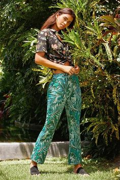 Slide View: 1: UO Casey Kick Flare Pant
