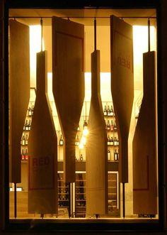 Red Pif Restaurant & Wine Bar. El uso de formas abstractas y materiales que familiaricen al usuario con el concepto, facilitan la comunicación entre diseño y usuario