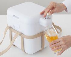 Foamy Beer Server Drink Cooler Cooler Box, Delivery Bag, Pint Of Beer, Japanese Kitchen, Beverages, Drinks, Kitchen Trends, Best Beer, Bars For Home
