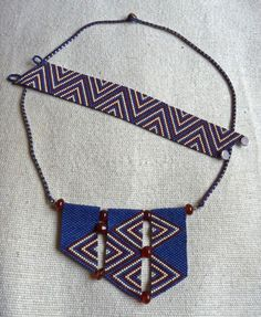 Geometric necklace and bracelet, blue Beaded Jewelry Designs, Peyote Beading, Geometric Necklace, Peyote Patterns, Peyote Stitch, Brick Stitch, Seed Beads, Creations, Beaded Necklace