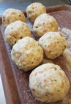Bread dumplings are one of my favorite side dishes. - Bread dumplings are one of my favorite side dishes. Mutti has already rolled thousands of them. Slow Cooker Recipes, Low Carb Recipes, Crockpot Recipes, Cooking Recipes, Bread Dumplings, Dumpling Recipe, Unique Recipes, Great Recipes, Paleo Meal Plan