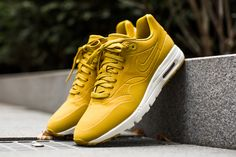 NIKE WMNS AIR MAX 1 ULTRA MOIRE DRK CTRN/DRK CTRN-BRGHT CTRN  available at http://www.tint-footwear.com/nike-wmns-air-max-1-ultra-moire-341  Nike wmns air max 1 ultra moire yellow gelb sneakers kicks running tint footwear studio munich