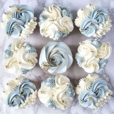 Elegant Cupcakes, Fancy Cupcakes, Beautiful Cupcakes, Baking Cupcakes, Wedding Cupcakes, Mothers Day Cakes Designs, Mothers Day Cupcakes, Cupcake Cake Designs, Cupcake Cakes