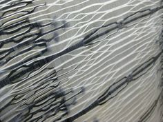 Distorted warps with growth pattern design using monofilament yarn by Rita Parniczky