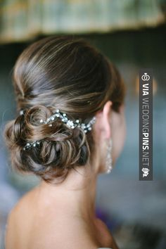 Coiffure mariage : 19 Stunning Wedding Hairstyles We love MODwedding Hairdo Wedding, Wedding Hair And Makeup, Bridal Hair, Hair Makeup, Chignon Wedding, Bridal Bun, Bridal Tips, Bridal Style, Short Hair Updo