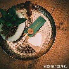 """Hochzeitseinladungen & Co hat ein Foto auf Instagram gepostet: """">> Gastgeschenke für Hochzeit... kleine Seifen in Herzform Design und Foto www.hochzeitsgrafik.at…"""" • 144 Fotos und Videos in seinem/ihrem Profil ansehen. Videos, Instagram, Design, Pictures, Profile, Soaps"""