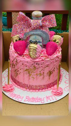 Alcohol Birthday Cake, Queens Birthday Cake, 22nd Birthday Cakes, Alcohol Cake, Creative Birthday Cakes, Special Birthday Cakes, Custom Birthday Cakes, Adult Birthday Cakes, Beautiful Birthday Cakes