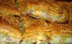 Μια εύκολη συνταγή για να απολαύσετε μια πεντανόστιμη, λαχταριστή πίτα, με πατάτες, λιωμένα τυριά, μπέϊκον και ζαμπόν σε τραγανή σφολιάτα, για μια ... αμαρ Greek Cooking, Cooking Time, Cooking Recipes, Pie Recipes, Savoury Baking, Savoury Dishes, Food Network Recipes, Food Processor Recipes, My Favorite Food