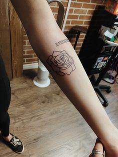 … – Tattoos for women Sun Tattoos, Baby Tattoos, Flower Tattoos, Body Art Tattoos, Flower Outline Tattoo, Tattos, Creative Tattoos, Unique Tattoos, Small Tattoos