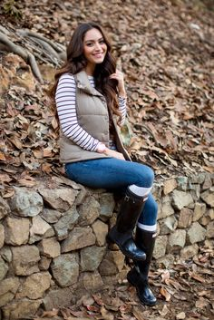 cute outfit with Black Hunter Boots Hunter Boots Outfit, Black Hunter Boots, Hunter Rain Boots, Fall Winter Outfits, Autumn Winter Fashion, Wellies Rain Boots, Rainy Day Fashion, Outfits Otoño, Fashionable Snow Boots