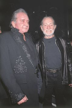 Willie Nelson Pictures and Photos - Getty Images Outlaw Country, Music Theater, Country Music Artists, Architecture Tattoo, Willie Nelson, Johnny Cash, Thomas Brodie Sangster, Humor, Animal Design