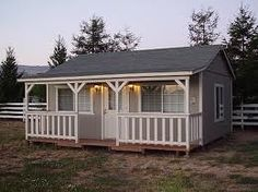 Need an additional storage? Learn how to build a shed in your backyard with these shed plans and ideas for storage, tools, and garage. Oahu, Prefabricated Sheds, Shed Construction, Custom Sheds, Build Your Own Shed, Shed Kits, Tiny House Cabin, Shed To House, Tiny Houses