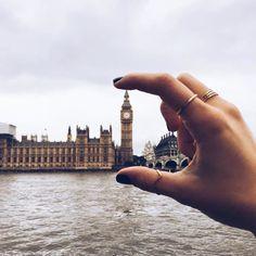 Tips To Improve Your Travel Photos - Travel Photography-Tipps zur Verbesserung Ihrer Reisefotos – Reisefotografie Instagram Travel Hashtags, London Photography, Travel Photography, Photography Tips, Fashion Photography, Makeup Photography, Jewelry Photography, Abstract Photography, Travel Photos