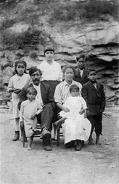 Arch Goins and family, Melungeons from Graysville, Tennessee, c. 1920s.