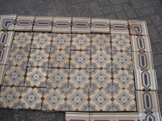 Ca. 1900, 17 x 17 cm, Germany. Mesa Bonita has been collecting hydraulic tiles for the past 10 years. All the tiles have been saved from the city dumpsters and desperately need a second life. They can be turned into a pretty table, console, nightstand, frame, trivet, coaster… Contact me for information, I have a selection of styles and colors and a whole bunch of ideas: Benedicte Bodard  Mesa Bonita/Barcelona Tiles benedictebodard@gmail.com www.mesabonita.es…