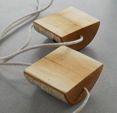 Itens semelhantes como Rocker Branch Walk Blocks na Etsy Source by sabinevoelkelt The post Itens semelhantes como Rocker Branch Walk Blocks na Etsy appeared first on Estudos de Madeira. Diy For Kids, Crafts For Kids, Diy Karton, Rocker, Woodworking Skills, Woodworking Videos, Teds Woodworking, Waldorf Toys, Kids Wood