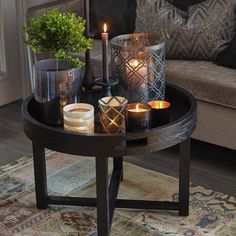Lovely details and sidetable from Halvor Bakke Norwegian designer! Candle Lanterns, Candles, Coffe Table, Tray Decor, Interior Inspiration, Designer, Beautiful Homes, Interior Decorating, Sweet Home
