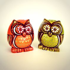 Owl salt and pepper shakers ceramic painted orange green spring home decor woodland folk art - READY TO SHIP by sewZinski on Etsy https://www.etsy.com/listing/163350170/owl-salt-and-pepper-shakers-ceramic
