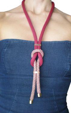 Collar de 2 colores cuerda larga.
